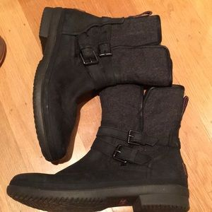 BRAND NEW UGG 'simmons' waterproof boot size 9